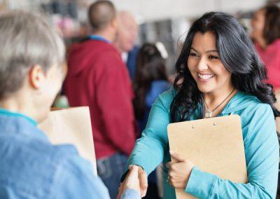 Family & Social Service/Servicios sociales y apoyo para familias